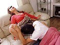 コタツに潜って母親にイタズラするスリルと緊張の近親相姦4時間のサムネイル