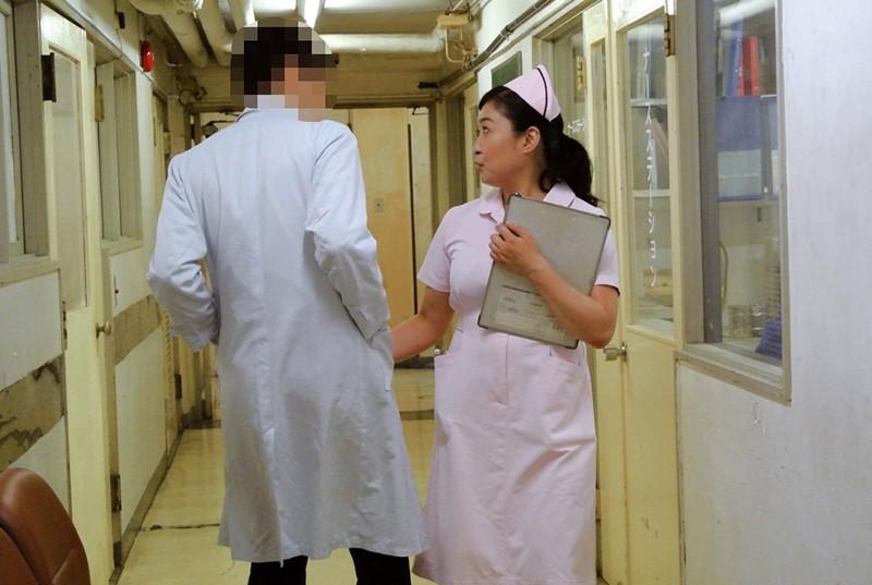 人妻看護師のむちむちな体が入院中の禁欲チ○ポを刺激して…4時間 12枚目