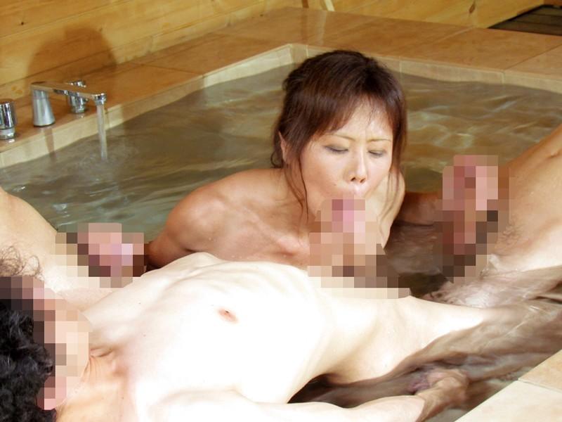 還暦真近の五十路熟女が濡れ狂うどスケベSEX240分