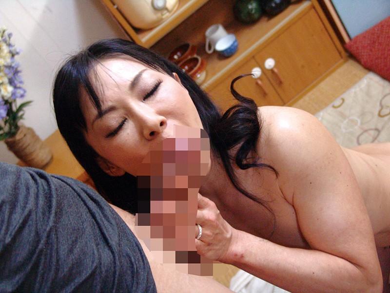 巨乳義母で性処理する息子4時間 3