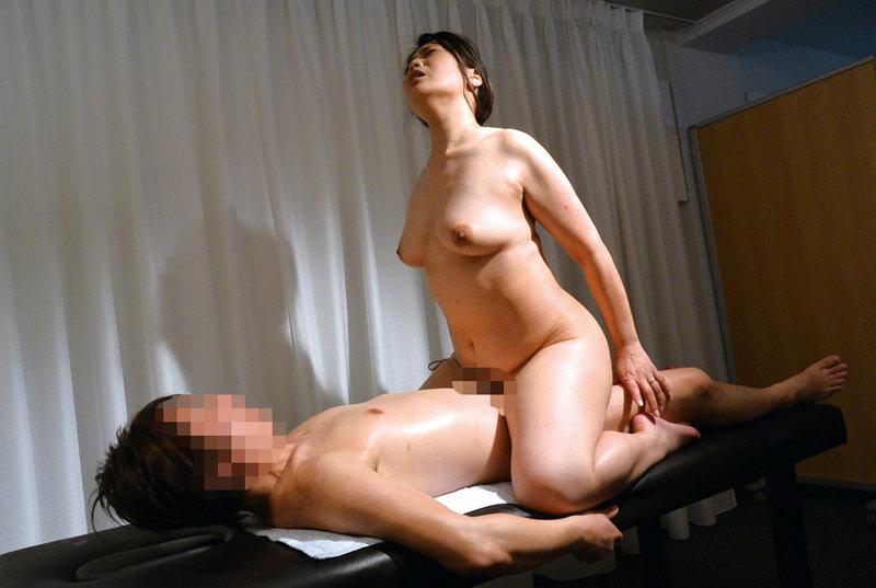 デカ乳できれいな奥さん限定!美人妻の垂れ乳交尾4時間 キャプチャー画像 4枚目