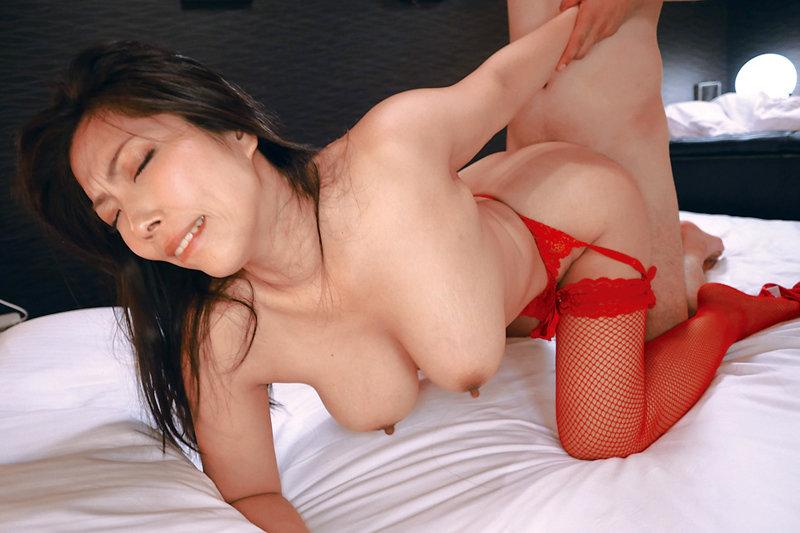デカ乳できれいな奥さん限定!美人妻の垂れ乳交尾4時間 キャプチャー画像 9枚目