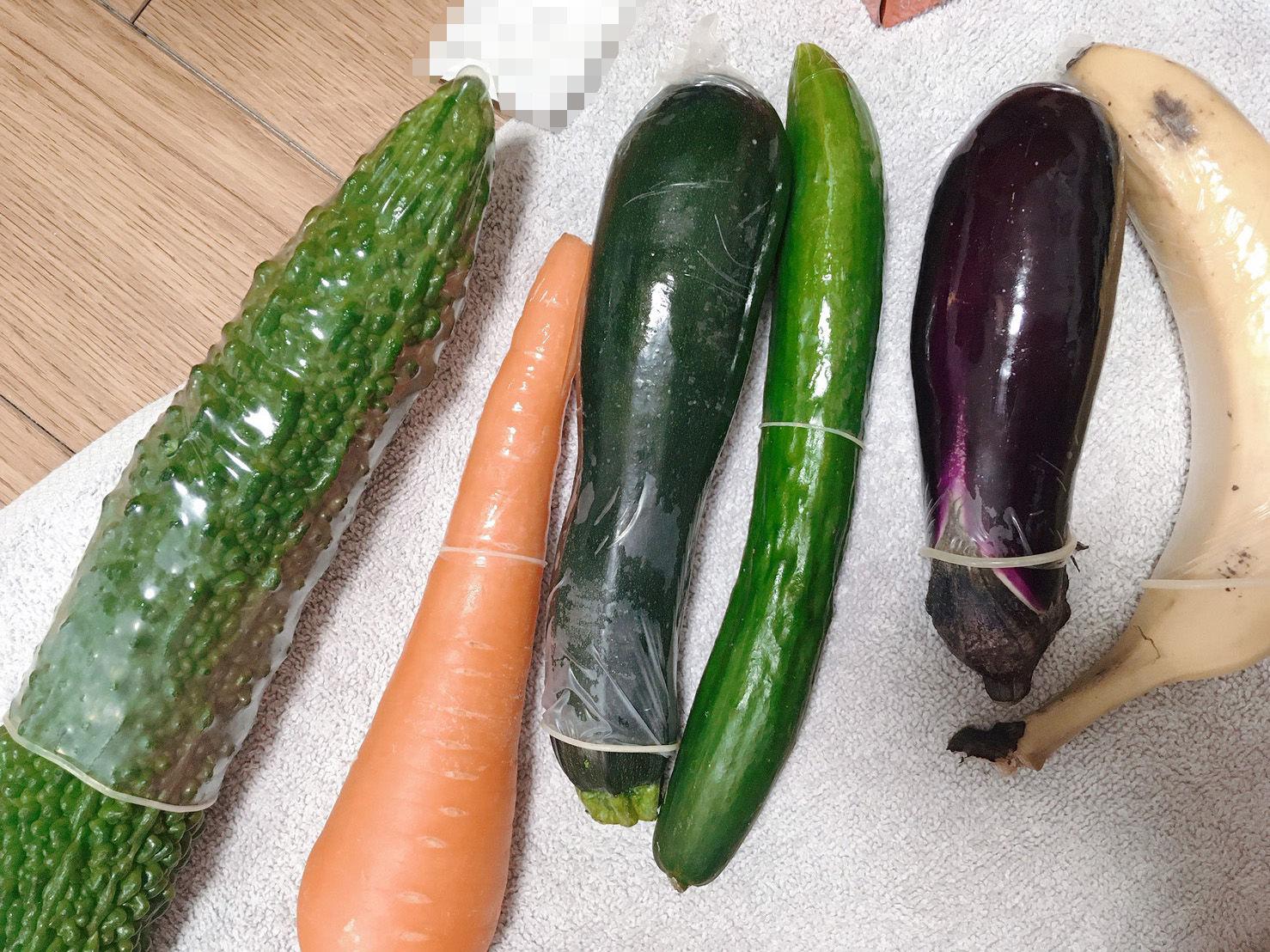 オトナの野菜生活!Gスポットに当たって潮吹き大事故!お野菜たっぷりツユだく!おま●こマイク!【バイノーラル、実演音声、ASMR、フォーリーサウンド】