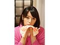 【DMM限定】僕を誘惑するカノジョの母親 春菜はな 島津かおる パンティ付き  No.1