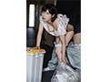 【数量限定】毎日、朝のゴミ出し時間にすれ違う浮きブラ奥さんをその場で即ハメ 奥田咲 生写真3枚付き  No.2